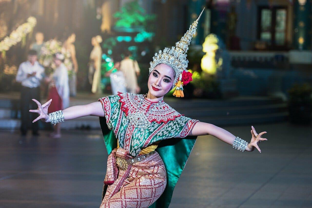 dancer-1807516_1280.jpg